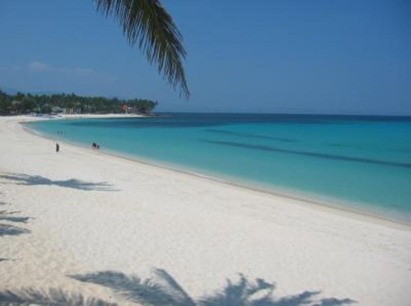 Saud_Beach_Pagudpud_Ilocos_Norte